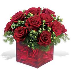 Çankırı hediye sevgilime hediye çiçek  9 adet kirmizi gül cam yada mika vazoda