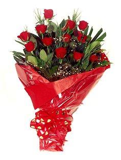 12 adet kirmizi gül buketi  Çankırı çiçek gönderme sitemiz güvenlidir