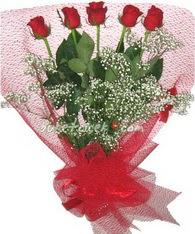 5 adet kirmizi gülden buket tanzimi  Çankırı hediye sevgilime hediye çiçek