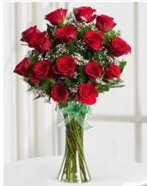 Cam vazo içerisinde 11 kırmızı gül vazosu  Çankırı çiçekçi mağazası