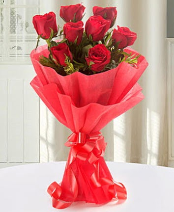 9 adet kırmızı gülden modern buket  Çankırı 14 şubat sevgililer günü çiçek