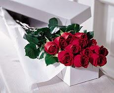 Çankırı çiçek mağazası , çiçekçi adresleri  özel kutuda 12 adet gül