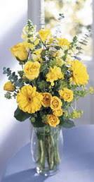 Çankırı çiçekçi telefonları  sari güller ve gerbera cam yada mika vazo