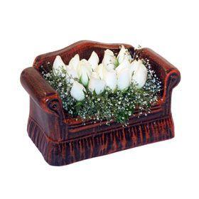 seramik içerisinde 11 gül  Çankırı yurtiçi ve yurtdışı çiçek siparişi