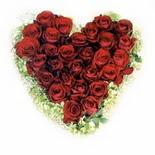 kalp biçiminde 15 gülden   Çankırı online çiçek gönderme sipariş