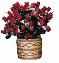yapay kirmizi güller sepeti   Çankırı çiçek siparişi vermek
