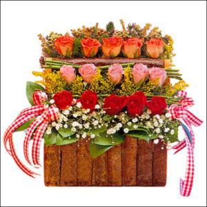 sandikta 3 kat güllerden   Çankırı çiçek , çiçekçi , çiçekçilik