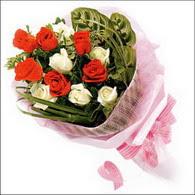 5 kirmizi 5 beyaz güllerden   Çankırı çiçekçi telefonları