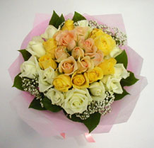 sari ve beyaz gül karisimda   Çankırı kaliteli taze ve ucuz çiçekler