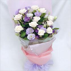 Çankırı İnternetten çiçek siparişi  BEYAZ GÜLLER VE KIR ÇIÇEKLERIS BUKETI
