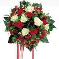 Çankırı güvenli kaliteli hızlı çiçek  6 adet kirmizi 6 adet beyaz ve kir çiçekleri buket