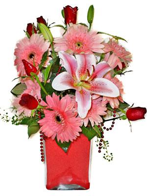 Çankırı çiçek satışı  karisik cam yada mika vazoda mevsim çiçekleri mevsim demeti