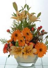Çankırı çiçekçiler  cam yada mika vazo içinde karisik mevsim çiçekleri
