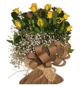 Çankırı hediye sevgilime hediye çiçek  9 adet sari gül buketi
