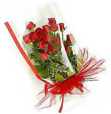 13 adet kirmizi gül buketi sevilenlere  Çankırı çiçek gönderme