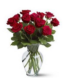Çankırı anneler günü çiçek yolla  cam yada mika vazoda 10 kirmizi gül