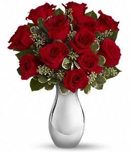 Çankırı çiçek gönderme   vazo içerisinde 11 adet kırmızı gül tanzimi