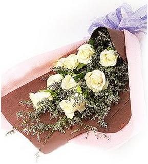 Çankırı çiçek satışı  9 adet beyaz gülden görsel buket çiçeği
