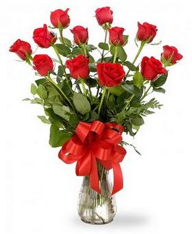 Çankırı kaliteli taze ve ucuz çiçekler  12 adet kırmızı güllerden vazo tanzimi