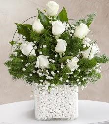 9 beyaz gül vazosu  Çankırı çiçek mağazası , çiçekçi adresleri