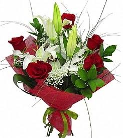 1 dal kazablanka 5 kırmızı gül buketi  Çankırı çiçek siparişi vermek