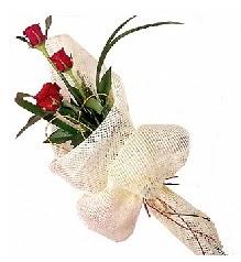 3 adet kırmızı gül buketi  Çankırı online çiçek gönderme sipariş