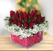 15 kırmızı gülden kalp mika çiçeği  Çankırı çiçek mağazası , çiçekçi adresleri