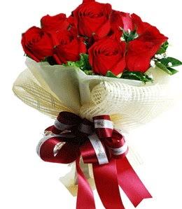 9 adet kırmızı gülden buket tanzimi  Çankırı anneler günü çiçek yolla
