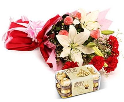 Karışık buket ve kutu çikolata  Çankırı kaliteli taze ve ucuz çiçekler